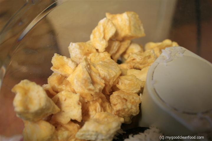 Freeze-dried pineapple